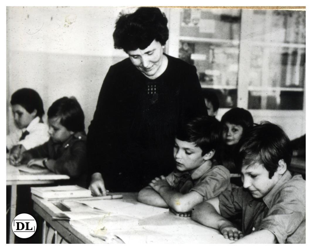 Ко Дню учителя. 40 лет педагогического стажа!